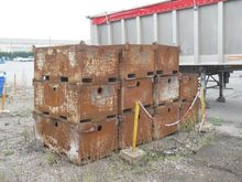 Stable stockable boxes 1400 mm