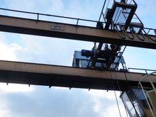 1973 Loading overhead crane two