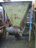 Bunker with extraction belt 2,5