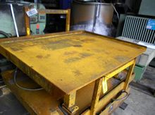 Hydraulic lifting table max. 2