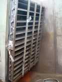 Extractor wall for coating with
