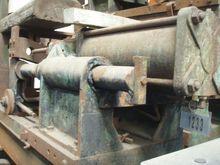 Gravity casting machine, useful
