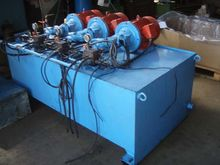 Hydraulic group with 3 pumps