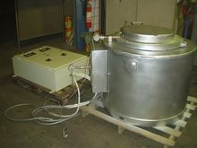 Electric holding furnace for al