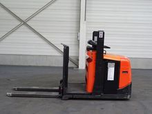 Used 2011 BT OSE100