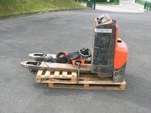 2010 BT LWE180 pallet truck wit
