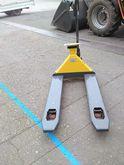 2012 IRON hand pallet truck sca