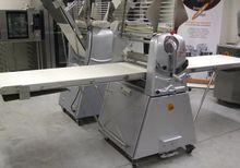 SINMAG SM-630E Sockel-Ausrollma