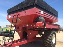 UFT 850 grain cart