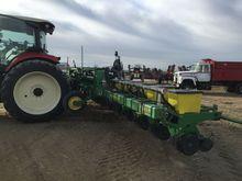 1730 JD -16 Row planter