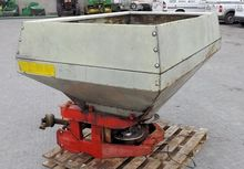 Rauch Twin Disc 1.5 ton Spreade