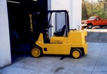 Used Hyster S100XL 1