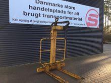 BSV 2000 kg pallet fork adjusta