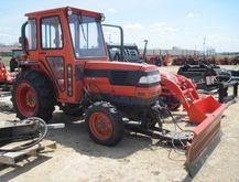 2000 KUBOTA L3710 1-39 HP TRACT