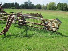 INTERNATIONAL 35 HAY RAKE