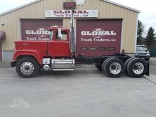 1989 MACK SUPERLINER RW713