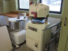 Fully automatic bread roll