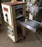 Kalmeijer pastry molding machin
