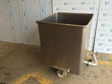 Used Tote bin in Wis