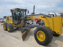 2010 JOHN DEERE 772-GP ROAD GRA