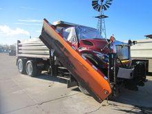 2015 IHC 7400 DUMP PLOW TRUCK