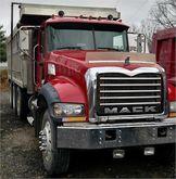 2009 MACK GRANITE GU713