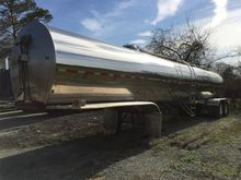1992 BAR-BELL 6200 Gallon Farm
