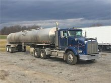 1987 WALKER 6500 GALLON FARM PI