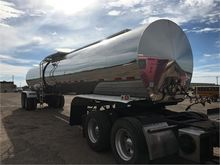 1993 POLAR 3 7000 Gallon Sanita