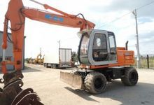 2002 Excavator Hitachi EX 165W