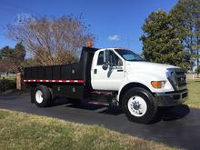 2011 FORD F750 XL SD