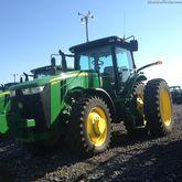 2013 John Deere 8260R