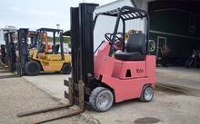 Used YALE GC040AB in