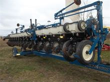 Used KINZE 3600 in U