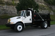 2003 International 4400 SBA