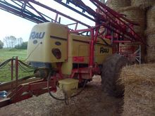 1990 Rau Trailed sprayer
