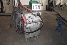 Protective gas welding machine,