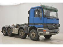2002 Mercedes-Benz ACTROS 3240