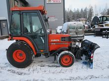 Kubota ST30 Tractors 2003