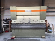 1985 Donewell H150-3000 CNC pre