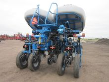 2014 Kinze 4900-16 Row Planter