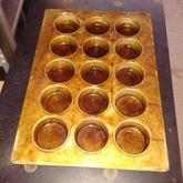 Large muffin/cupcake baking pan