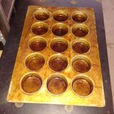 Large muffin/cupcake baking pan