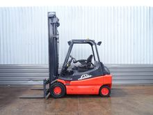 LINDE E30. 4850mm LIFT. YOM 200