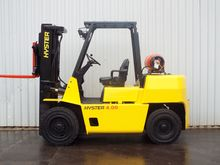 Used 1998 Hyster H4.