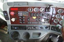 2010 Freightliner Century C(...