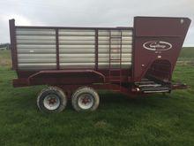 Giltrap RF 11 Bale Wagon/Feedou