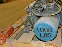 1000 lbs Cable Hoist w/ P&H Hoo