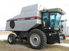 Used GLEANER R62 in