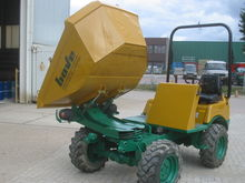 Used 2006 AUSA D-201